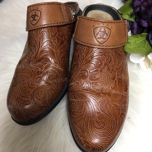 🌵Ariat Mules Clogs Size 6.5 🌵